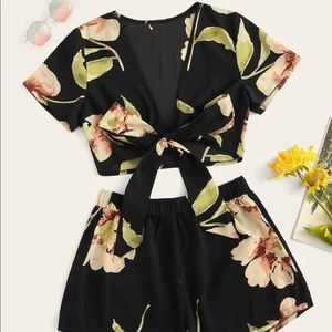 Plus Floral Print Tie Front Top With Shorts